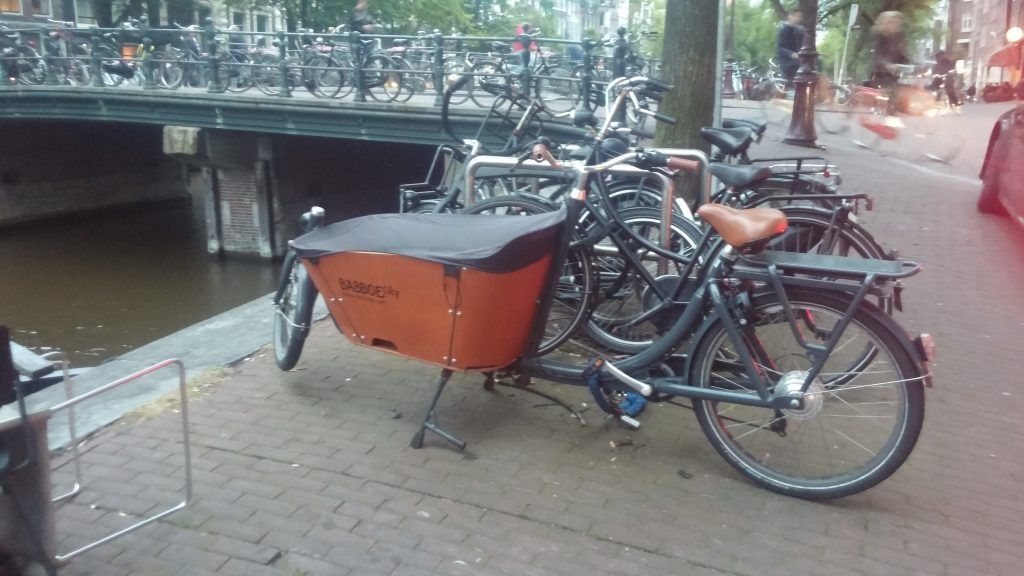 bakfiets_in_amsterdam