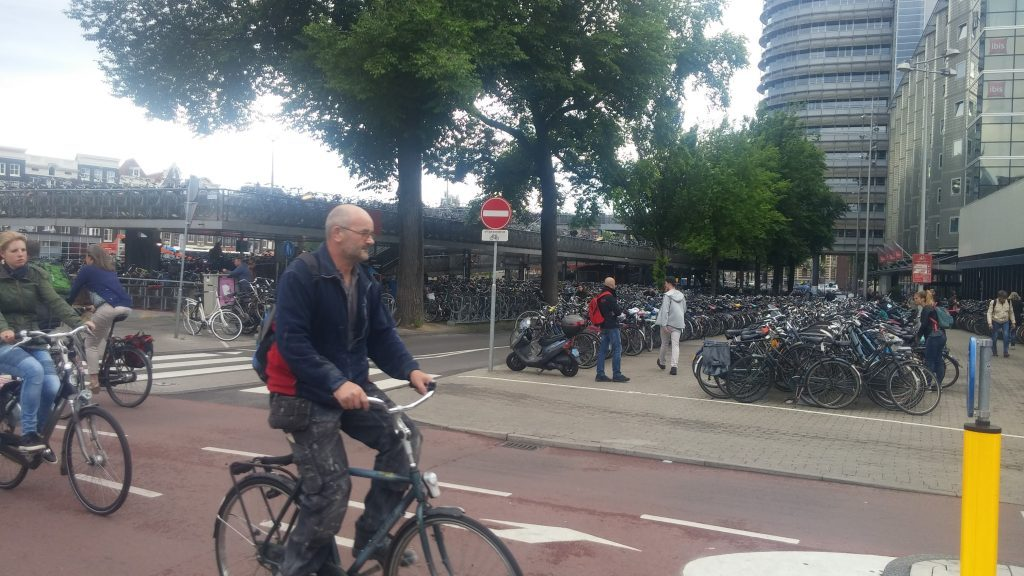 bike_parking_amsterdam