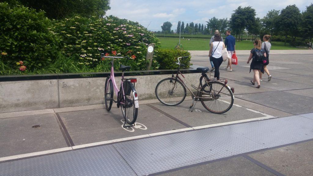 parked_bikes_amsterdam